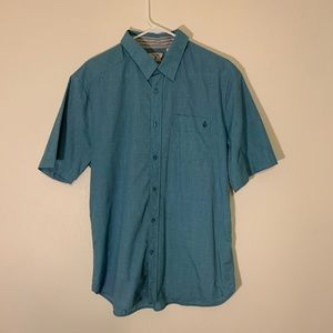 Men's Large Volcom short sleeve button down shirt.